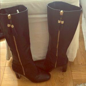 Louise et Cie black zipper w/ tassel boots. 8.5.